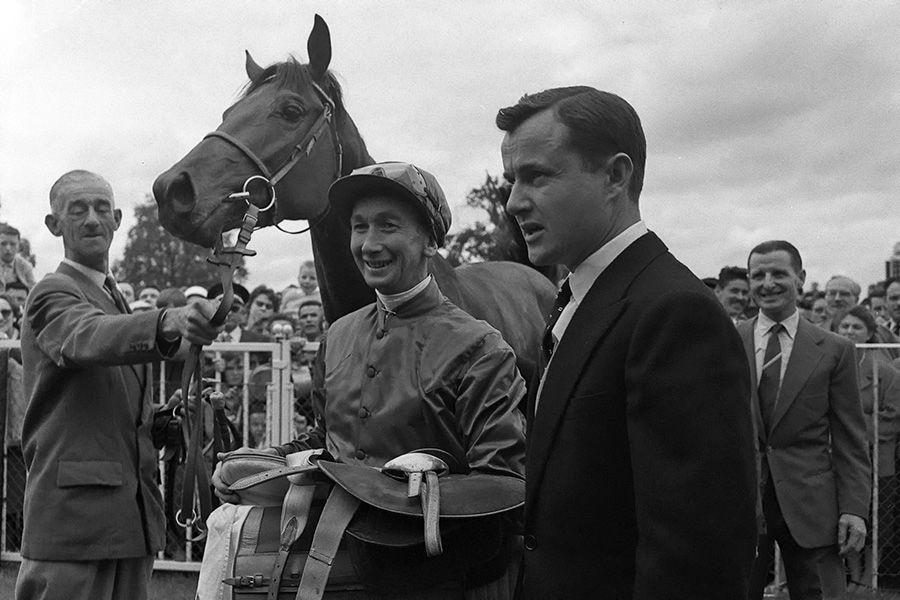 Prix-du-Jockey-Club-1960-CHARLOTTESVILLE-George-Moore---Alec-Head.jpg