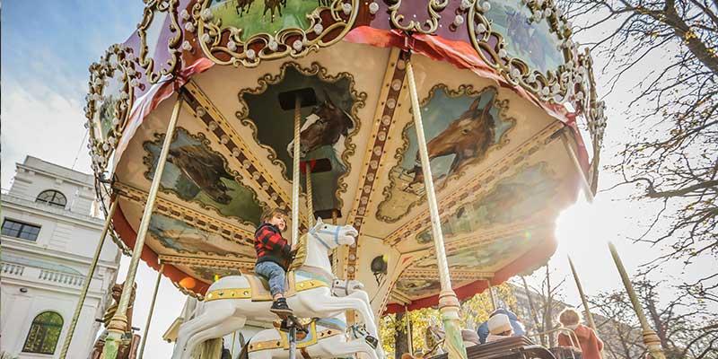 manege-carrousel.jpg