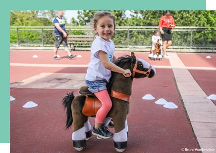 Photo enfant sur Ponyclycle